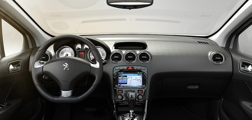 Interior do novo Peugeot 408 2018