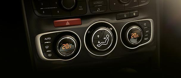 Interior do Novo Citroen C4 2018 tem ar condicionado
