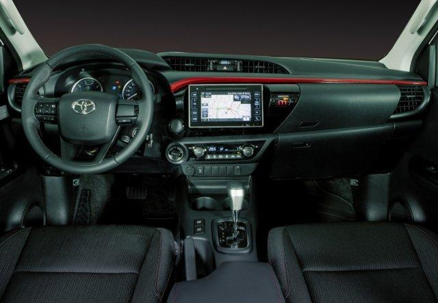 Interior da Toyota Hilux 2018