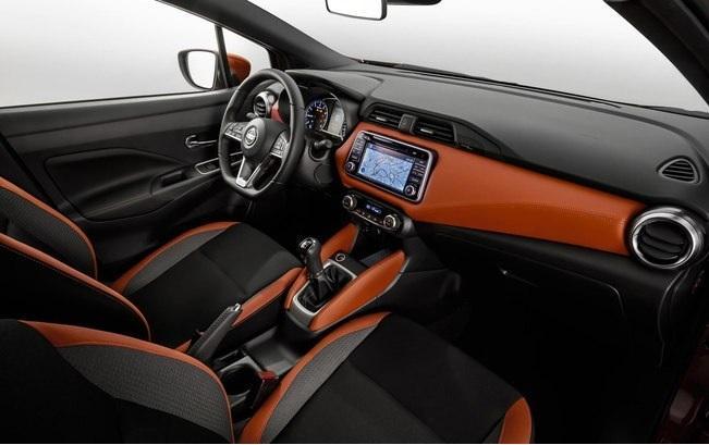 Interior do Nissan March 2018