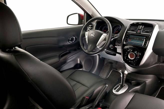 Nissan Versa 2018 interior