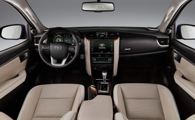 SW4 SRX Diamond - interior
