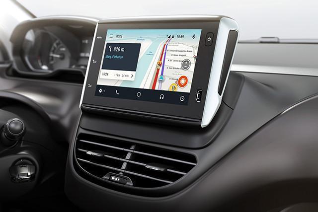 Peugeot 2008 2018 tem nova central multimídia