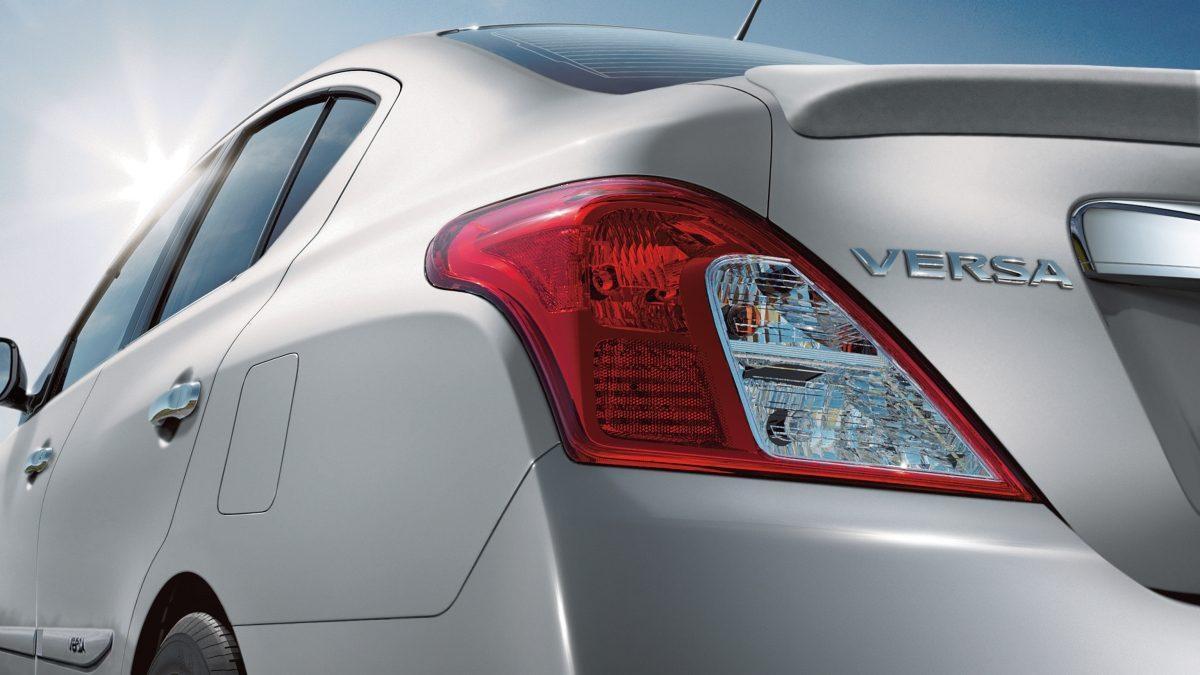 Nissan Versa 2018 porta-malas