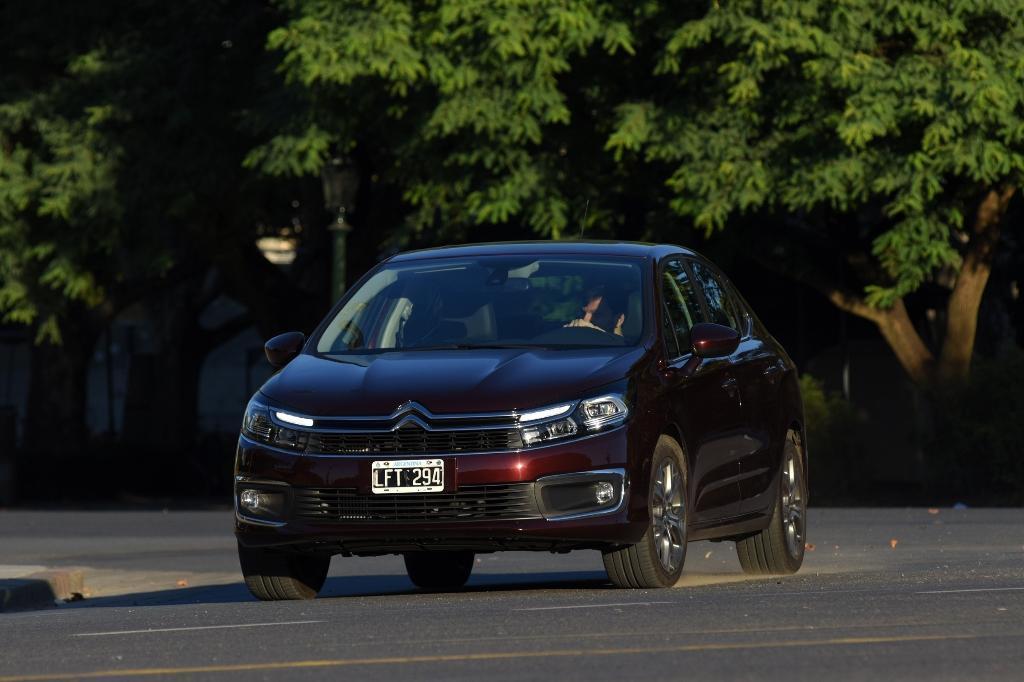 Novo Sedan Citroën C4 Lounge