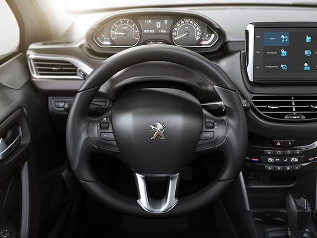 Peugeot 2008 2018 tem ótima posição para dirigir