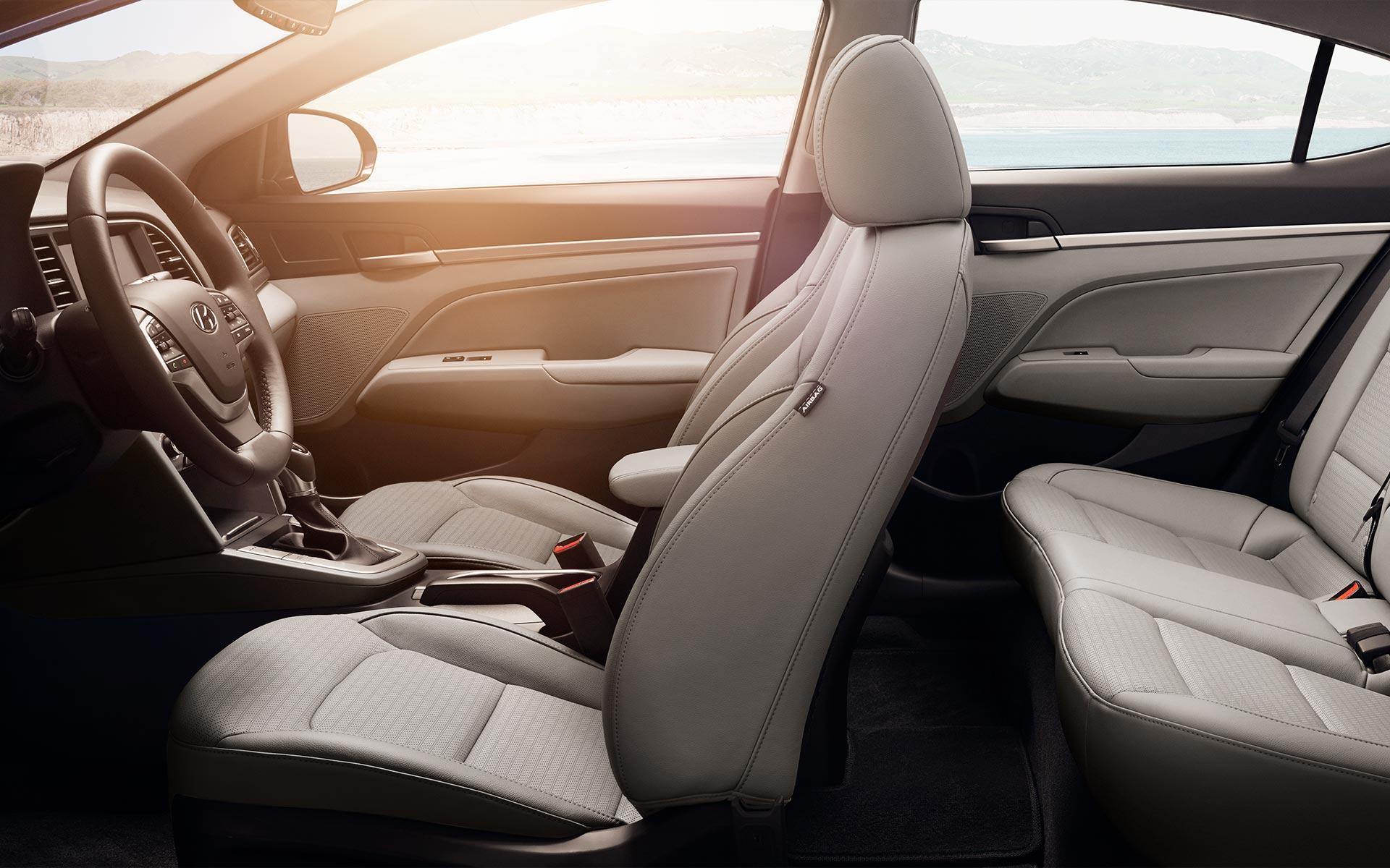 Interior do Hyundai Elantra 2018