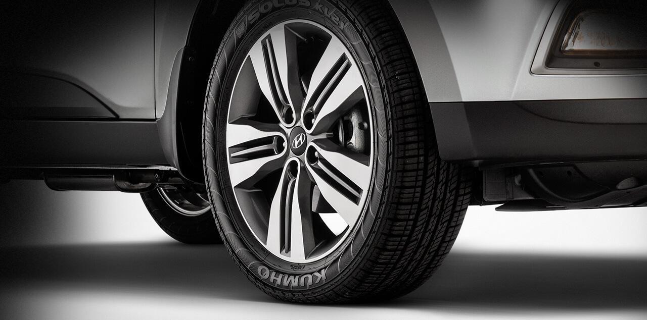 Hyundai ix35 2018 detalhe pneu